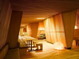 Penggunaan kayu di rumah sakit diharapkan bisa mempercepat kesembuhan pasien.