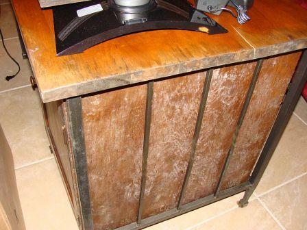 furniture kayu berjamur