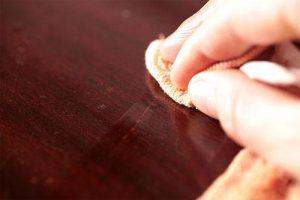 membersihkan furniture penting untuk menjaga furniture awet